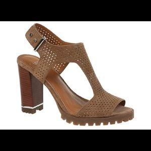 Franco Sarto taupe leather sandal